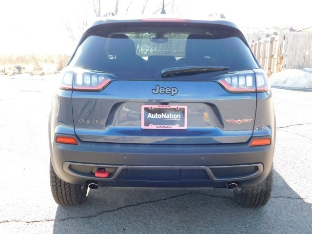 Jeep Cherokee 2019 price $32,485