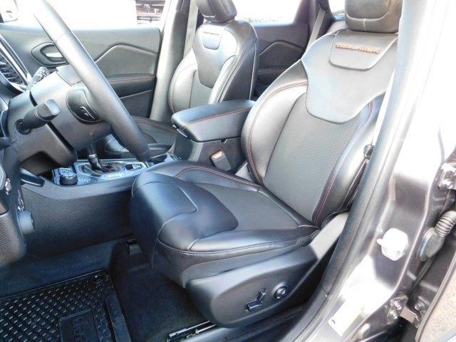 Jeep Cherokee 2019 price $31,999