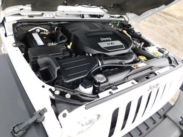 Jeep Wrangler Unlimited 2016 price $27,999