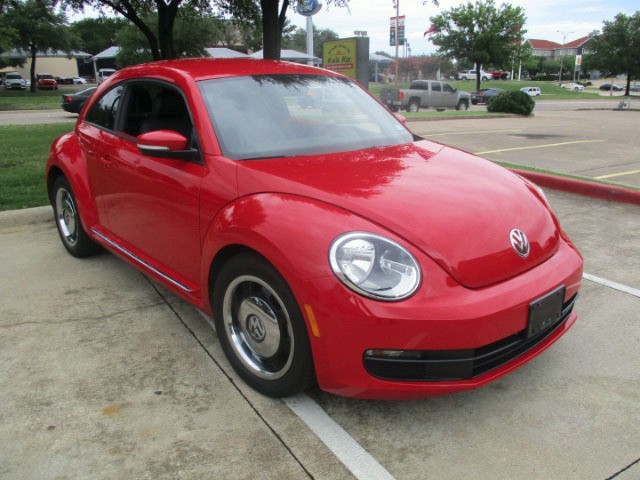 Volkswagen Beetle 2012 price $8,995