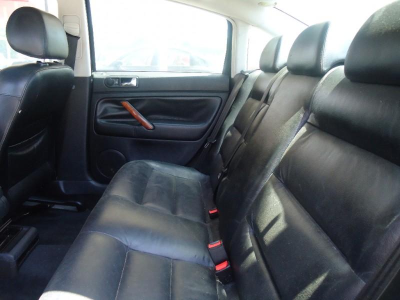 Volkswagen Passat 2001 price $7,995