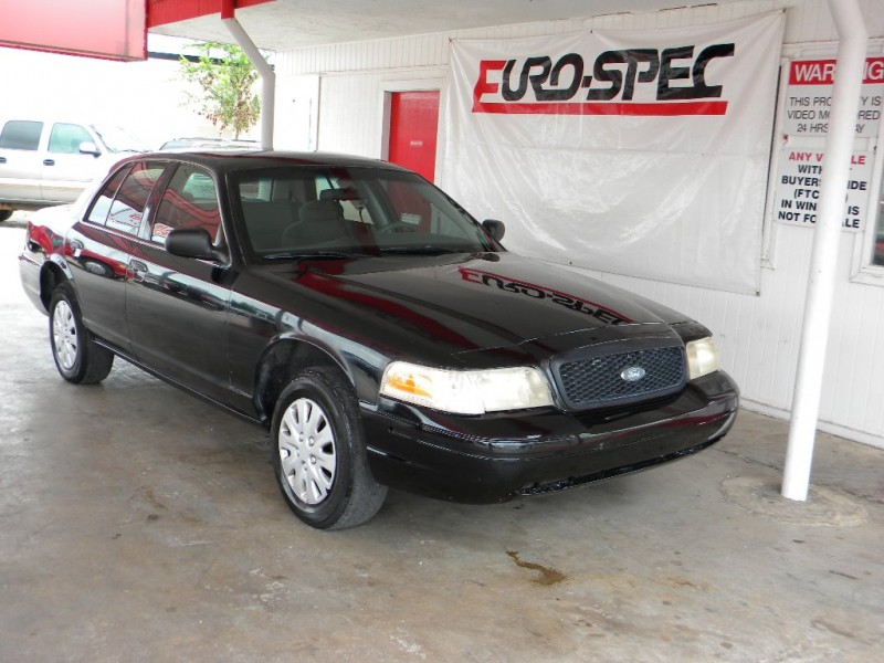Ford Crown Victoria Police Pkg 2001 price $7,995