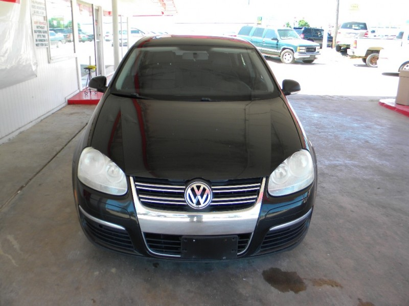 Volkswagen Jetta Sedan 2009 price $10,999