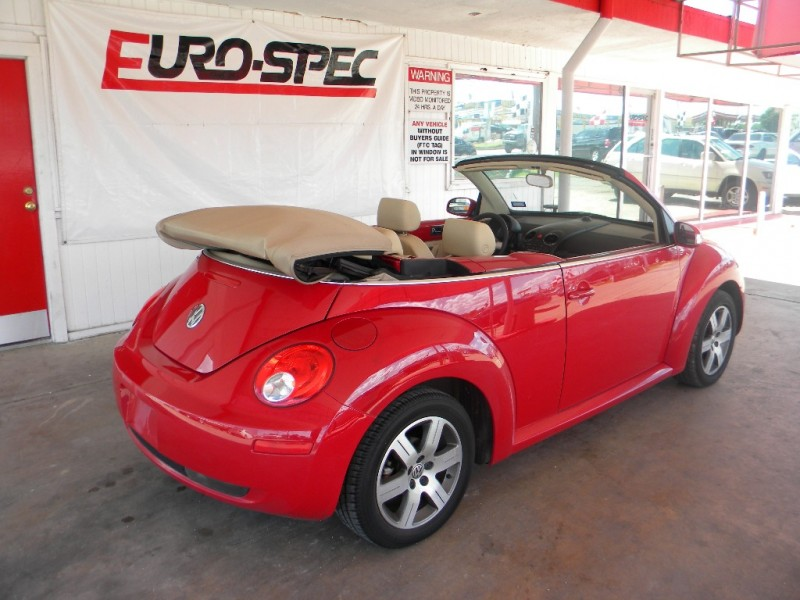 2006 volkswagen new beetle convertible 2dr 2 5l auto inventory eurospec auto dealership in. Black Bedroom Furniture Sets. Home Design Ideas