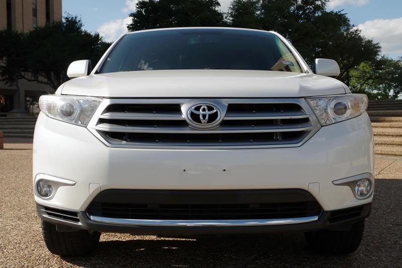 Toyota Highlander 2012 price $21,995