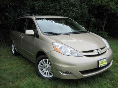 2007 Toyota Sienna XLE  fully equipped ...