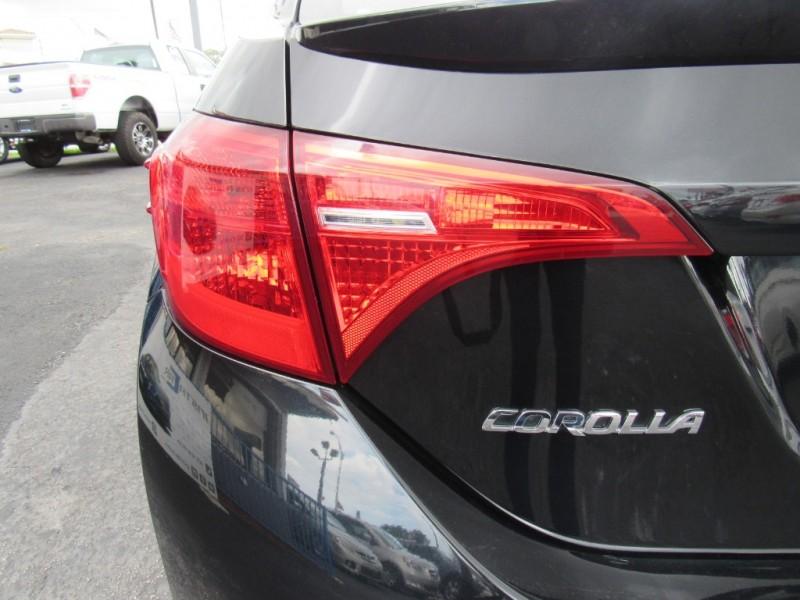 Toyota Corolla 2017 price $9,495