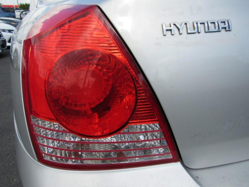 Hyundai Elantra 2004 price $2,295