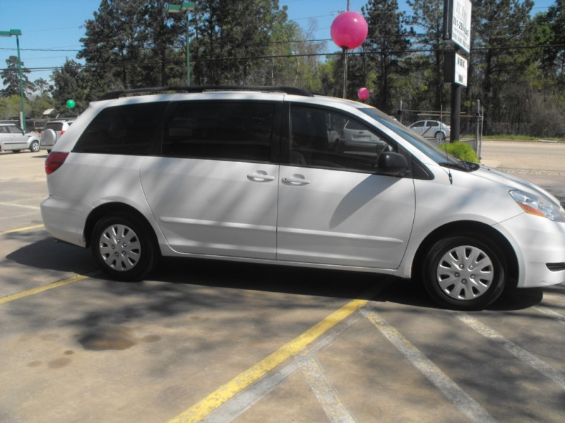 Toyota Sienna 2010 price Call for Pricing