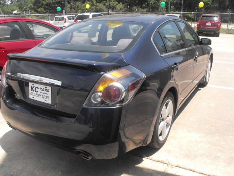 Nissan Altima 2009 price Call for Pricing