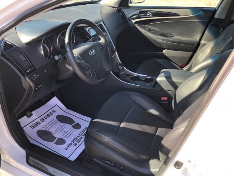 Hyundai Sonata 2011 price $8,000