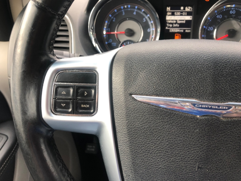 Chrysler Town & Country 2011 price $8,325