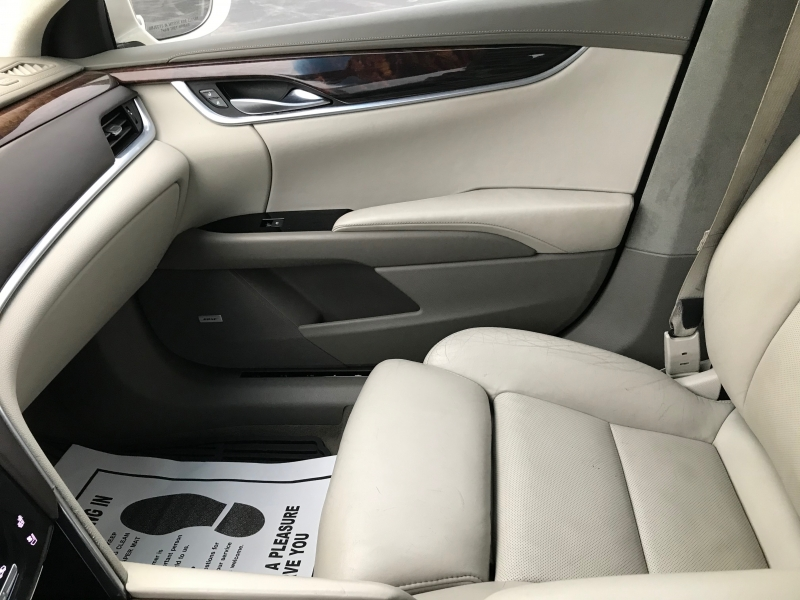 Cadillac XTS 2013 price $15,990