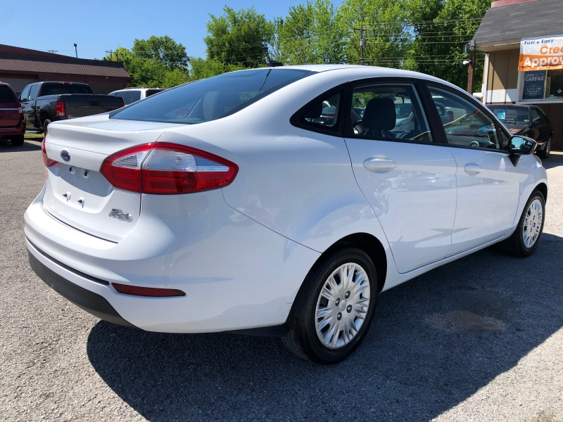 Ford Fiesta 2016 price $9,990