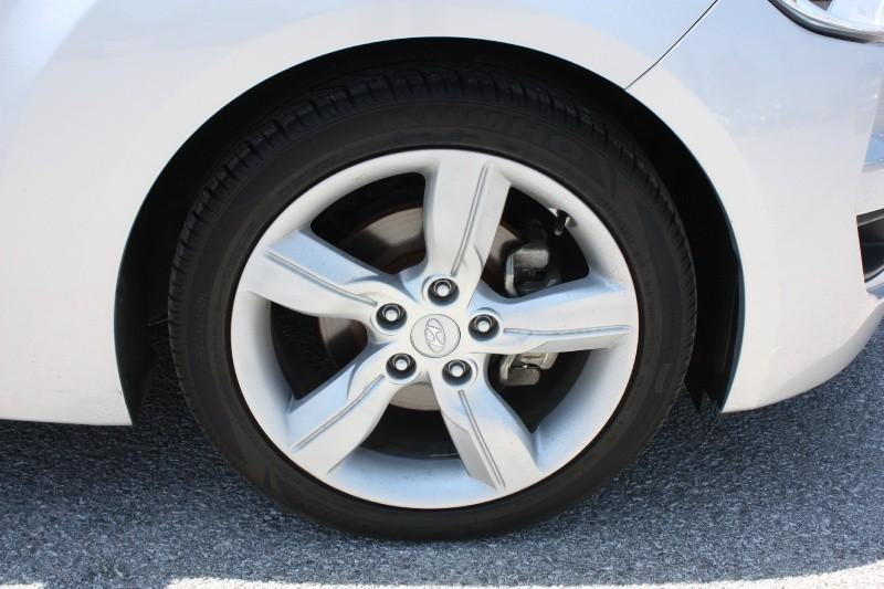 Hyundai Veloster 2015 price $9,988