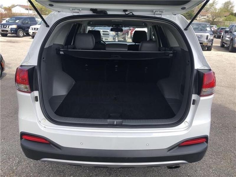 Kia Sorento 2016 price $1,500