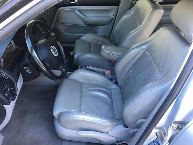 Volkswagen Jetta Sedan 2004 price $4,988