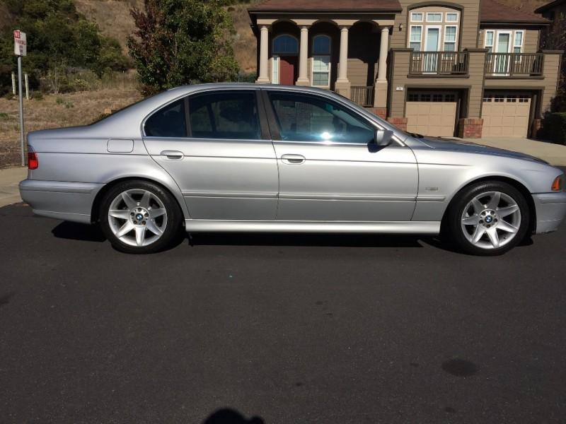 BMW 5-Series 2002 price $4,998