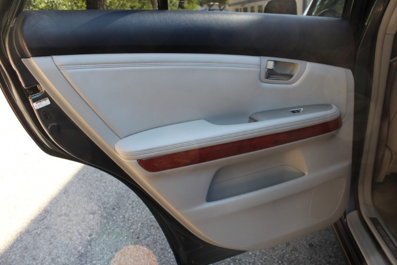 Lexus RX 330 2004 price $6,499