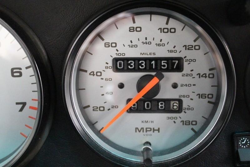 Porsche 993 C4S 1996 price $118,988