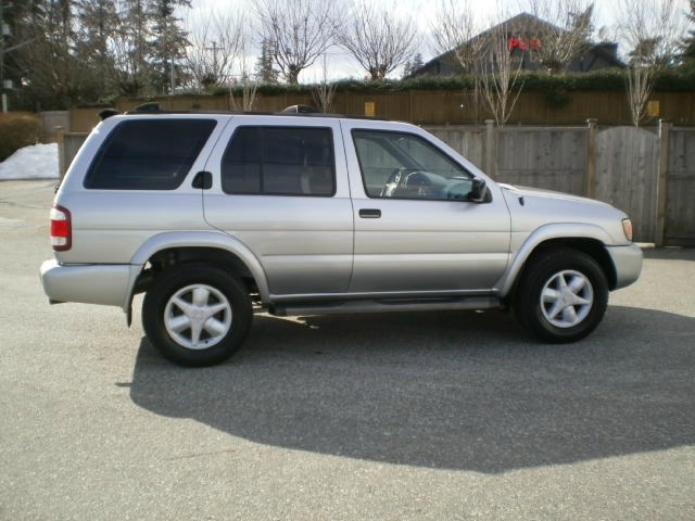 Nissan Pathfinder 2002 price $6,980