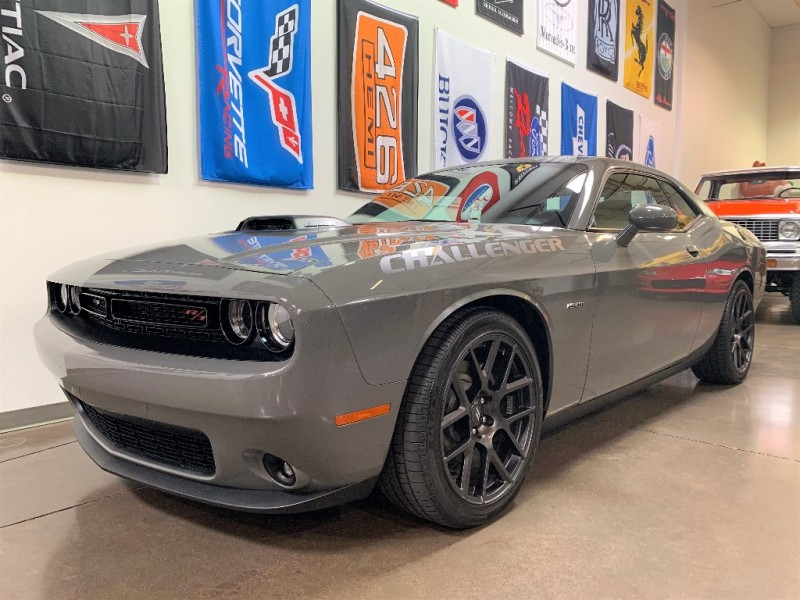 Dodge Challenger 2017 price $32,500