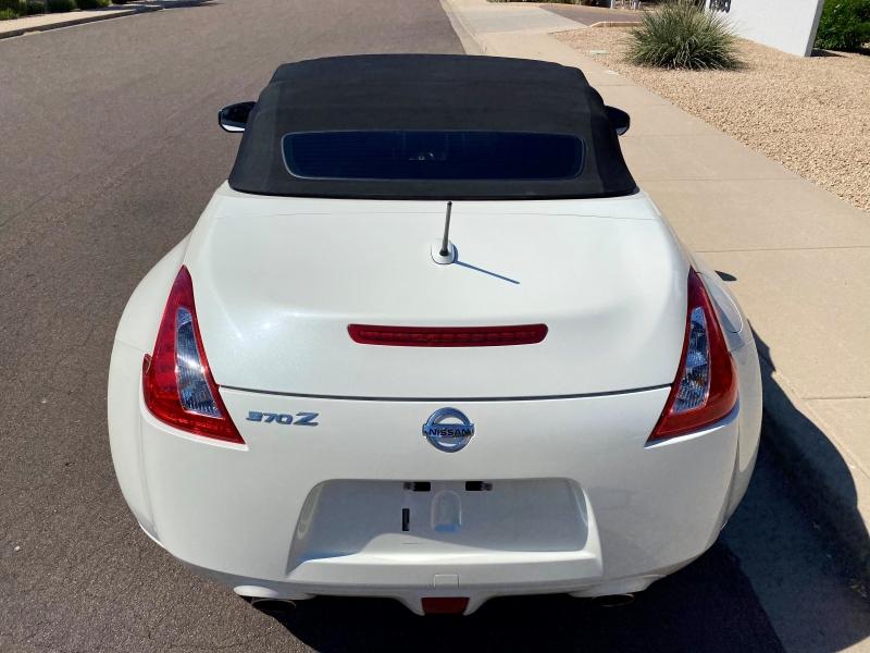 Nissan 370Z 2016 price $26,900