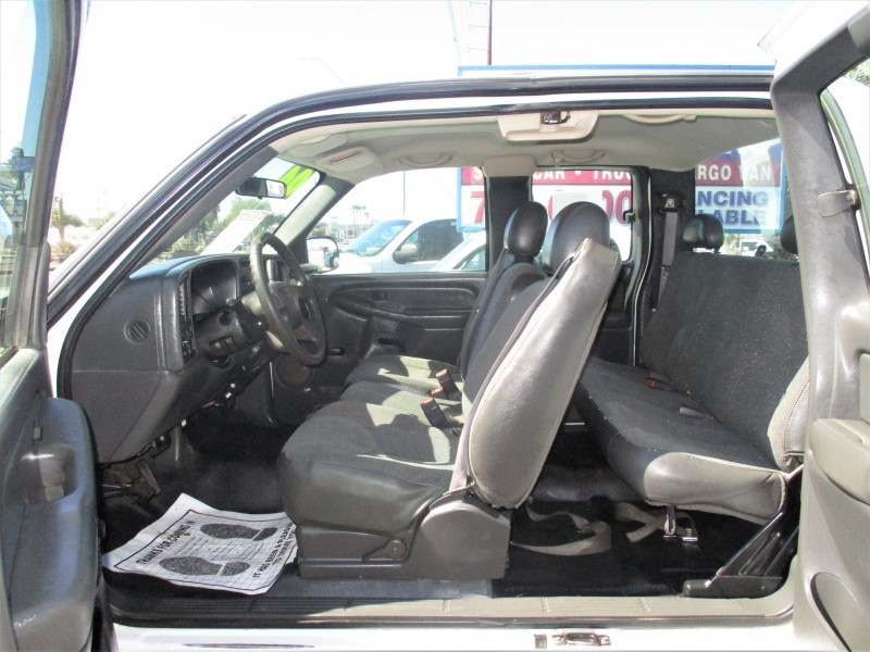 GMC Sierra 2500HD 2004 price $7,995