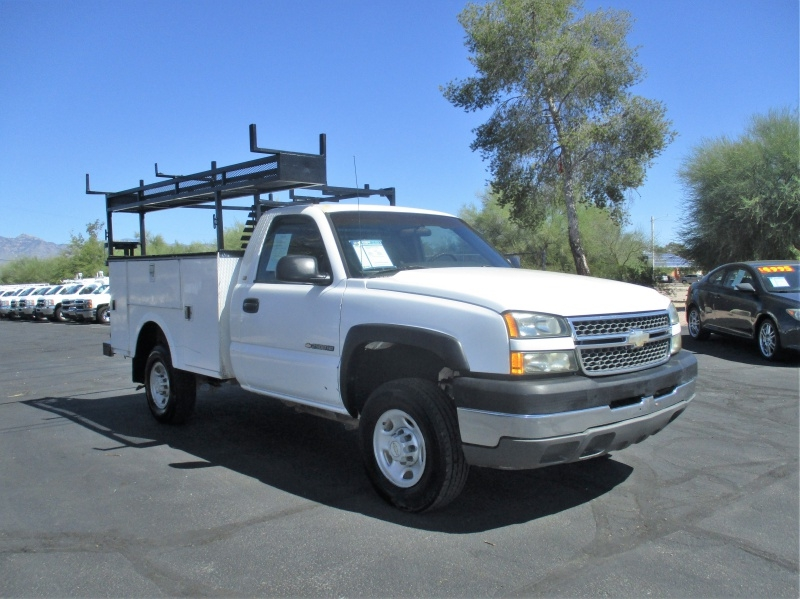 Chevrolet Silverado 2500HD 2005 price $9,995