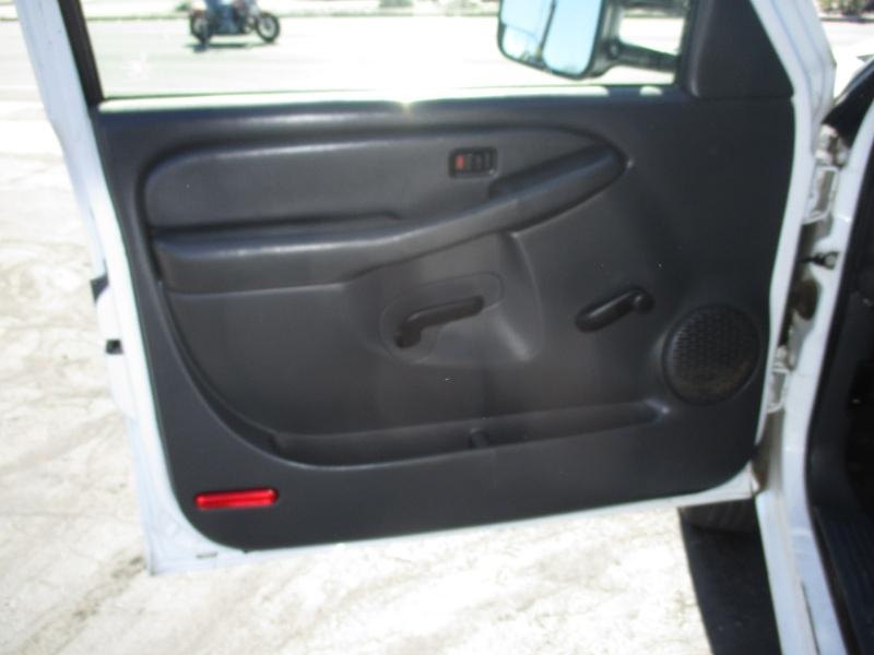 Chevrolet Silverado 2500HD 2005 price $6,995