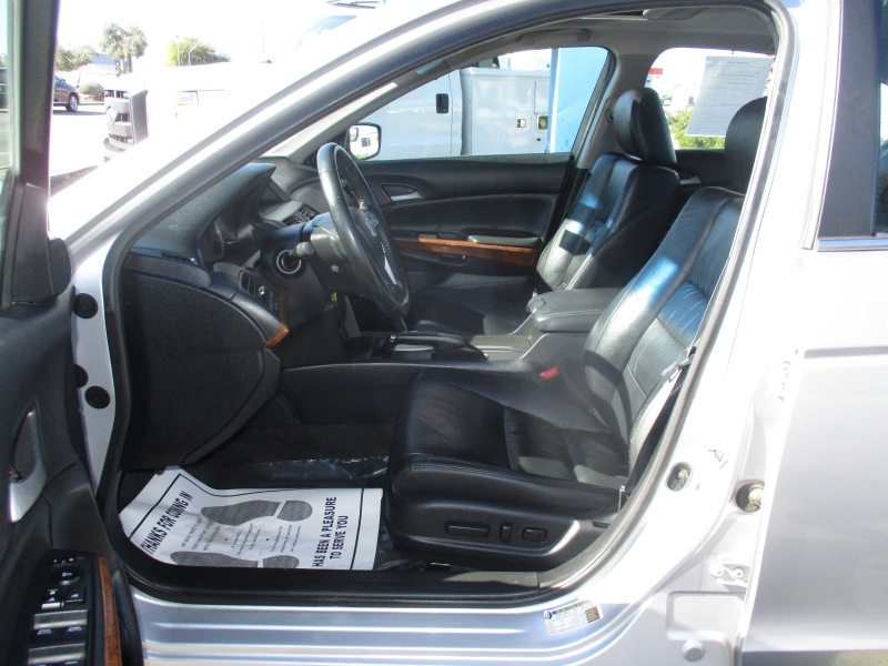 Honda Accord Sdn 2011 price $9,995