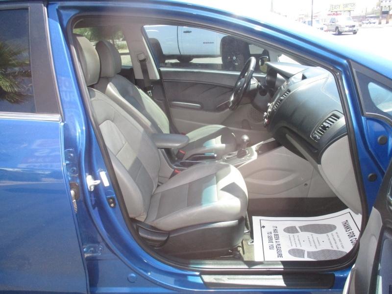 Kia Forte 5-Door 2015 price $7,995