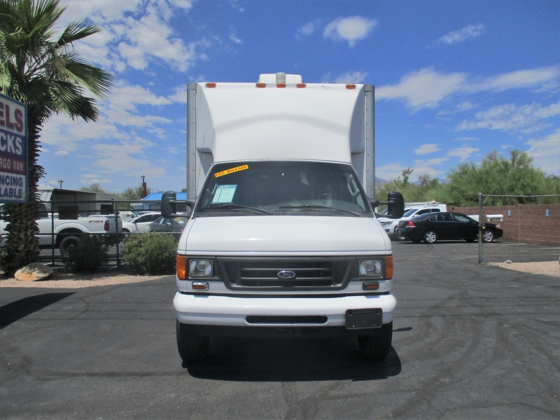 Ford Econoline Commercial Cutaway 2006 price $11,995