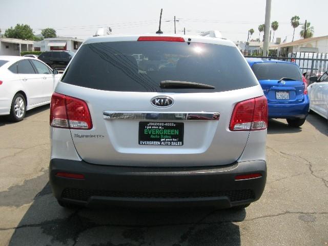 Kia Sorento 2012 price $8,995