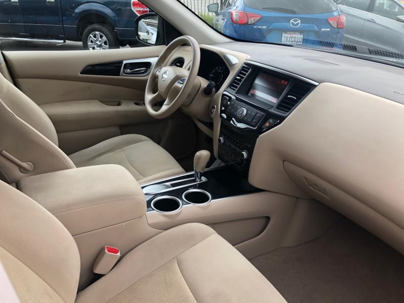 Nissan Pathfinder 2015 price $12,495
