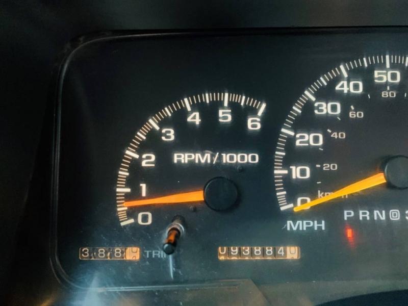 Chevrolet C 3500 HD 2000 price $17,900