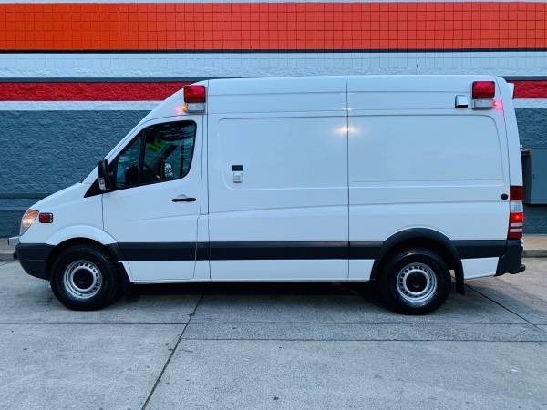 Mercedes-Benz Sprinter Cargo Vans 2011 price $18,900