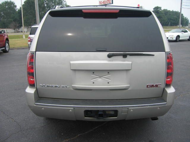 GMC Yukon XL 2007 price $8,995