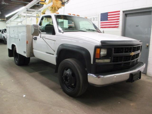 2000 Chevrolet C3500 HD Bucket Truck