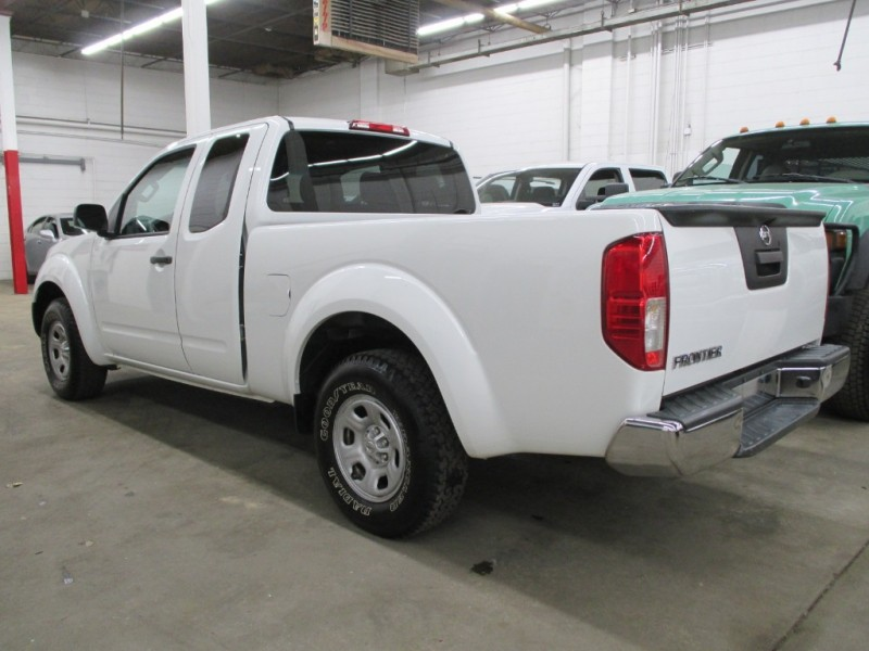 Nissan Frontier 2015 price $11,450