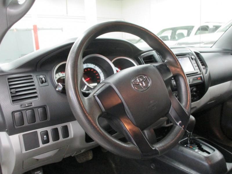 Toyota Tacoma 2014 price $10,900