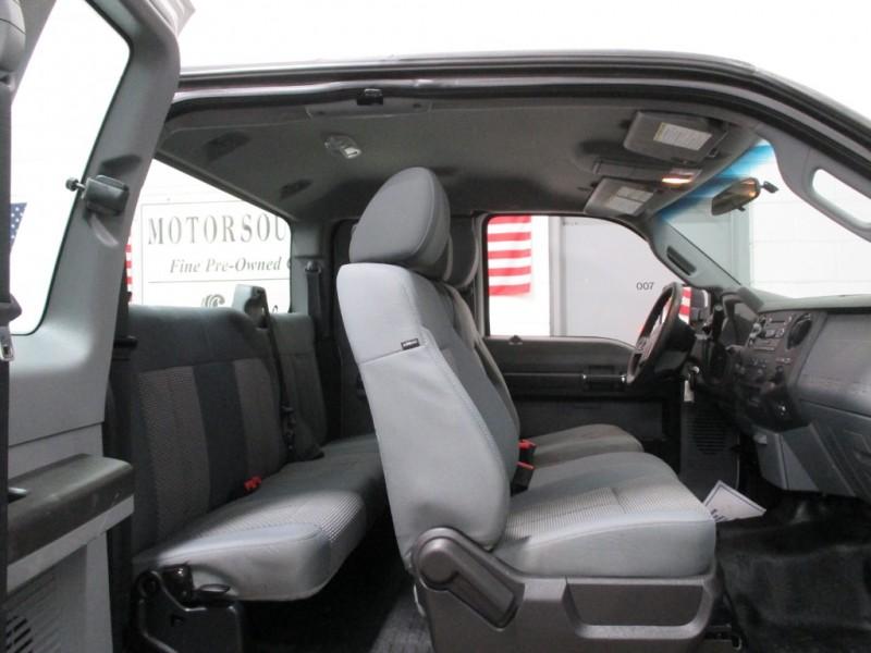 Ford Super Duty F-250 XL 4WD 2015 price $18,900