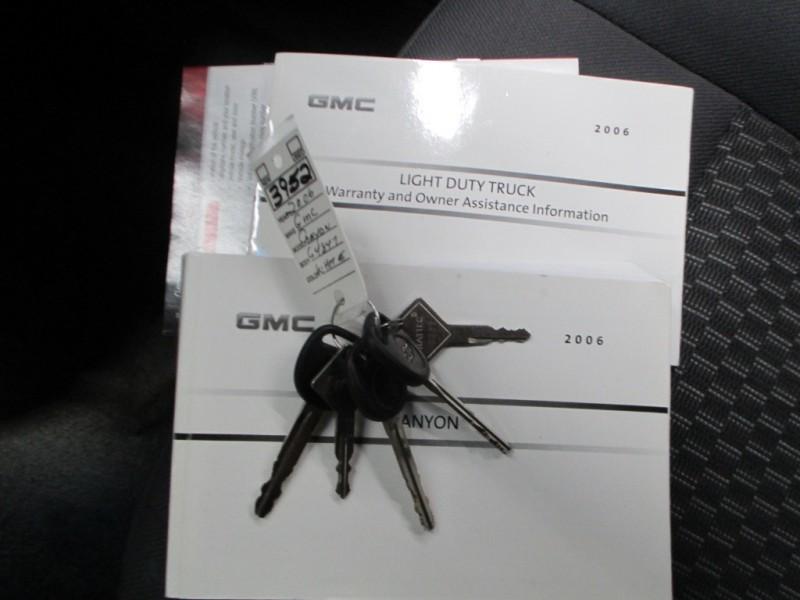 GMC Canyon 2006 price $9,900