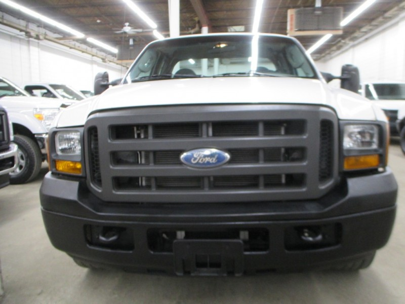 Ford Super Duty F-350 SRW 2005 price $6,900