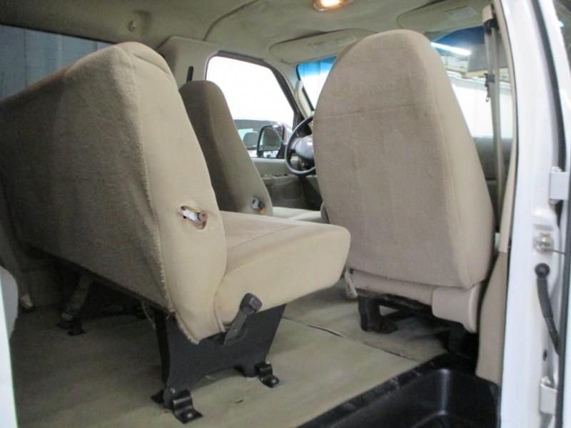 Ford Econoline Wagon 2006 price $7,900