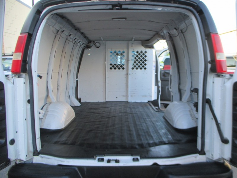 GMC Savana Cargo Van 2014 price $9,900