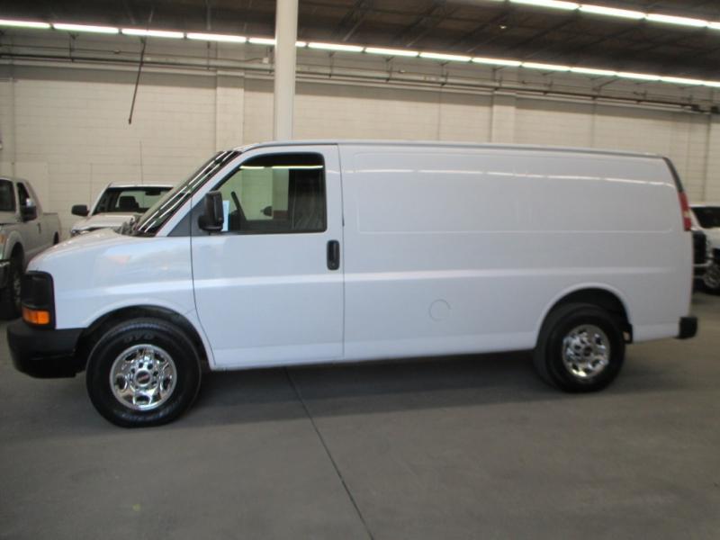 GMC Savana Cargo Van 2007 price $11,900
