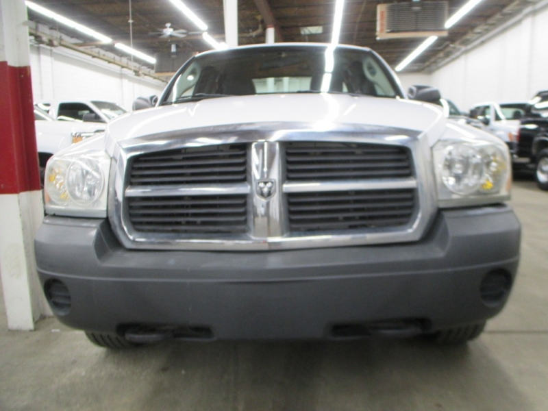 Dodge Dakota 2005 price $9,900