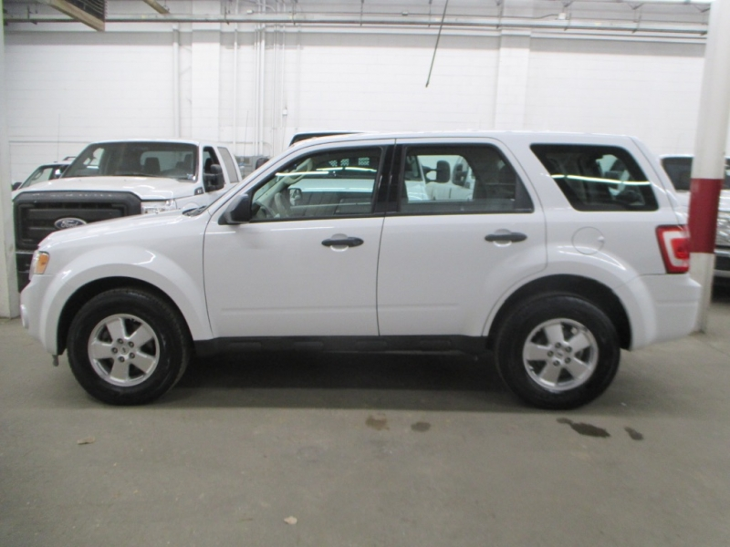 Ford Escape 2011 price $8,900