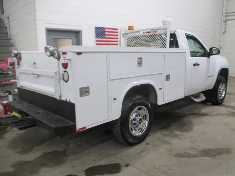 GMC Sierra 2500HD 2013 price $17,900